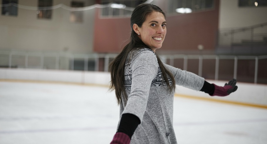 It's Never Too Late to Learn How to Ice Skate (and 9 Reasons It's an Awesome Workout)